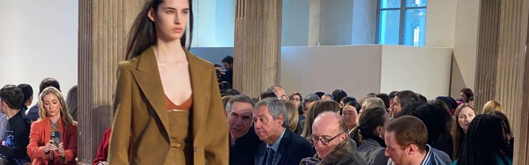 「サルヴァトーレ フェラガモ」がミラノで開催した2020-21年秋冬コレクションのショーの様子