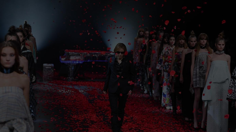 「YOSHIKIMONO」ショー フィナーレの様子