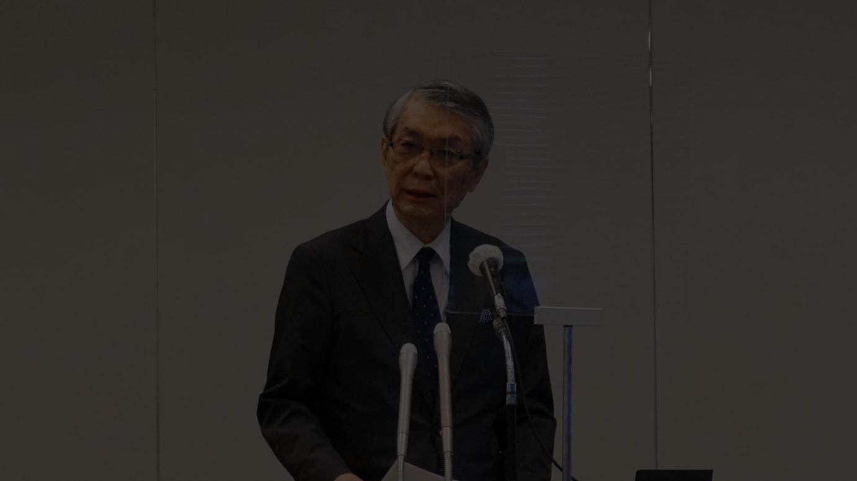 会見に登壇した大江伸治社長