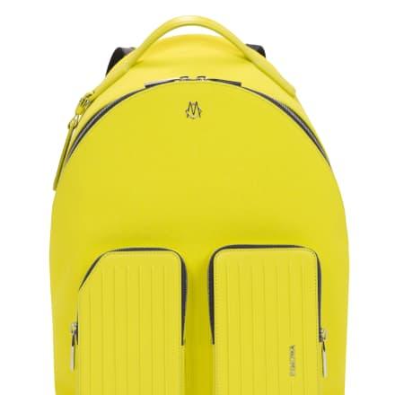 「バックパック」(11万5000円)H42 x L31 x W17 cm、重量1.1kg、容量15.5L