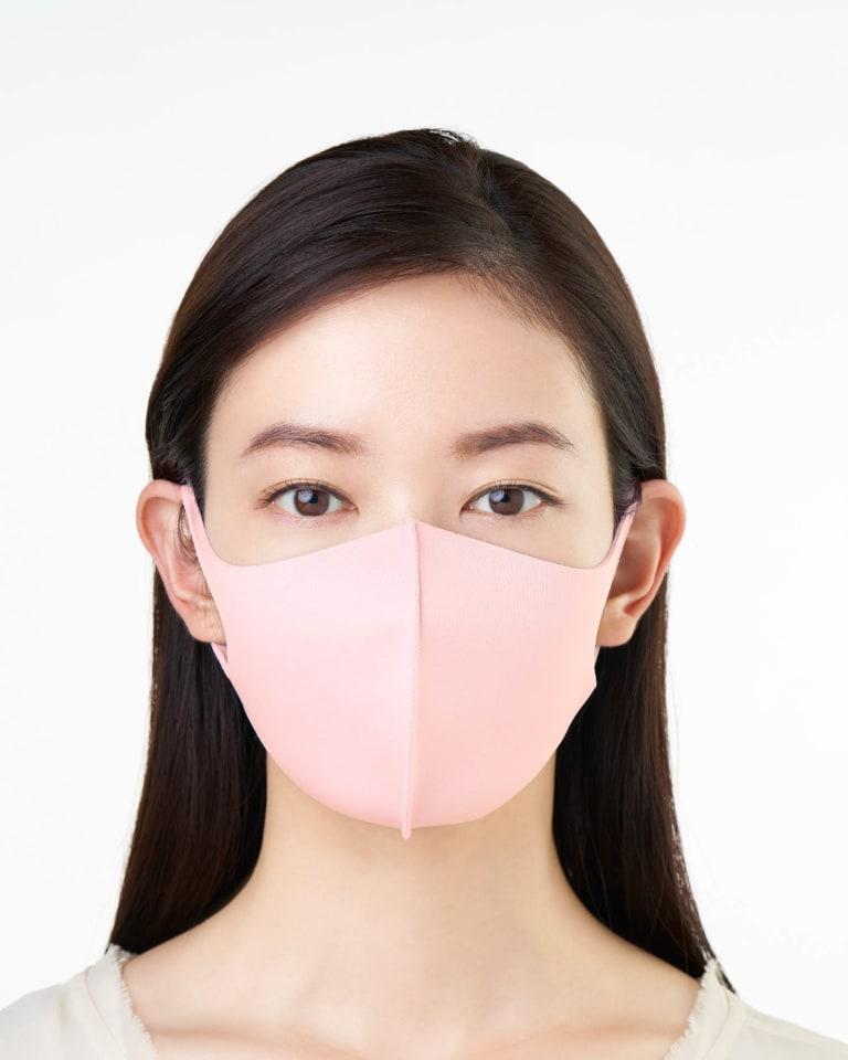 コーラルピンクのマスク