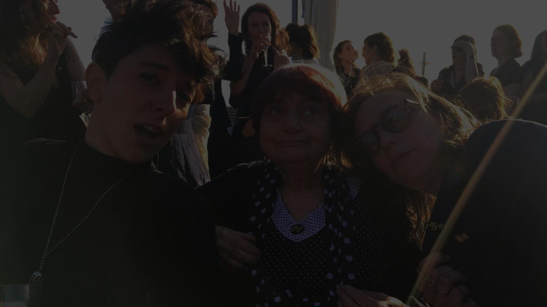 @Allrightsreservedカンヌ国際映画祭のレッドカーペットで行われたウィメンズ・マーチの様子 @Allrightsreserved