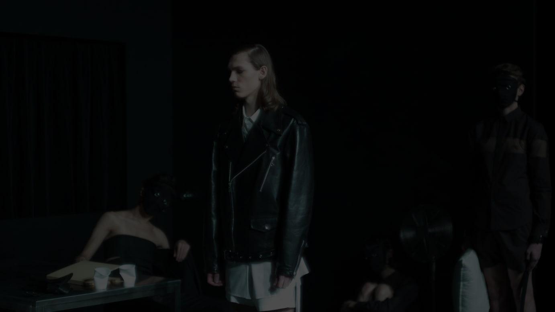 DRESSEDUNDRESSED 2019-20年秋冬コレクション