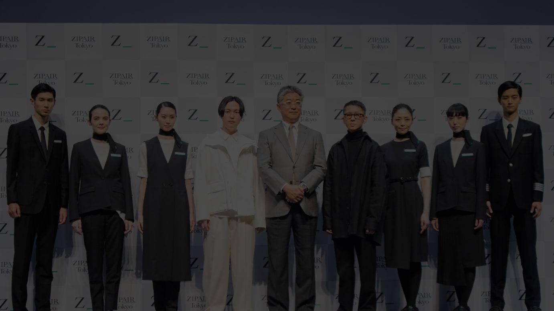 発表会に登壇した(中央左から)SIX inc.矢後直規氏、西田真吾代表取締役社長、デザイナーの堀内太郎氏