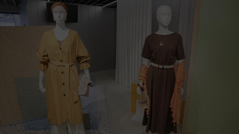 「ジーユー」2020年春夏コレクションの展示会より