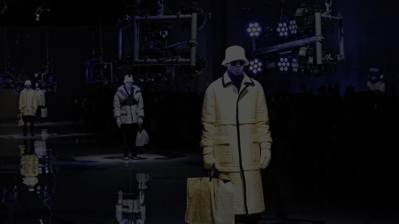 ショーで発表された「アンリアレイジ」とのコラボルック