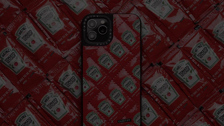キルティング素材のiPhoneケース(税別6000円)