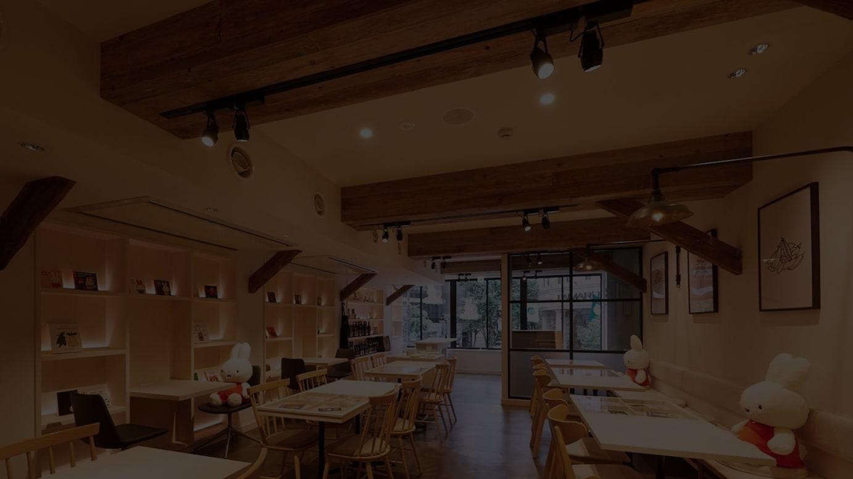 2階「カフェ&ショップ」