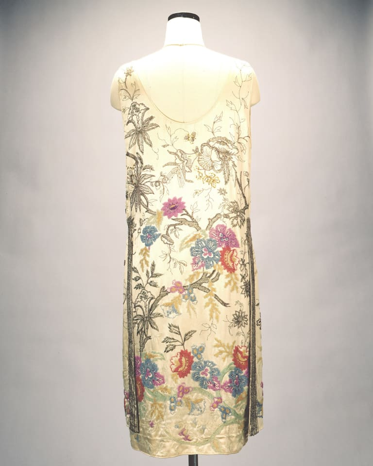 「イブニング・ドレス」キャロ姉妹店(1909年頃)