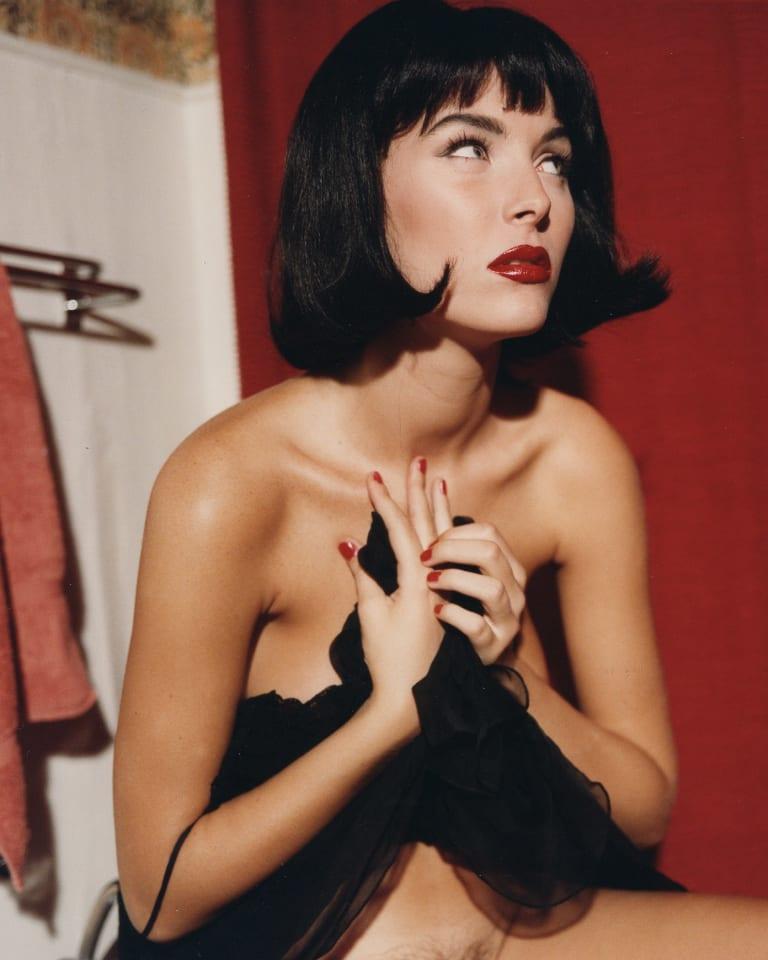 ベッティナ・ランス写真展「密室」No.4 代表作品「10octobre I,Paris.」