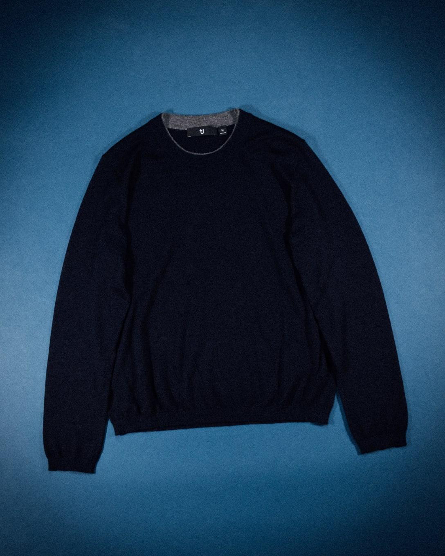 ファインゲージカシミヤクルーネックセーター(長袖) ¥9,990(税別) Image by FASHIONSNAP.COM