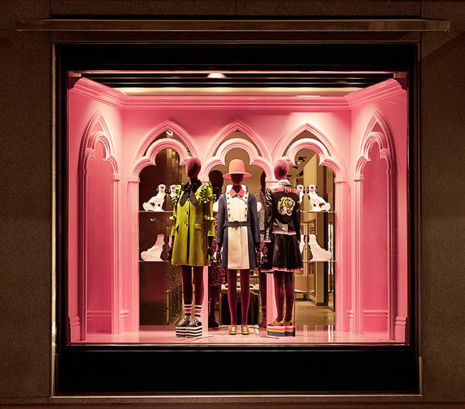 e0cdb9a5aae2 「グッチ(Gucci)」が、新フラッグシップショップを六本木ヒルズに12月2日にオープンする。アレッサンドロ・ミケーレ(Alessandro  Michele)によるショップデザイン ...