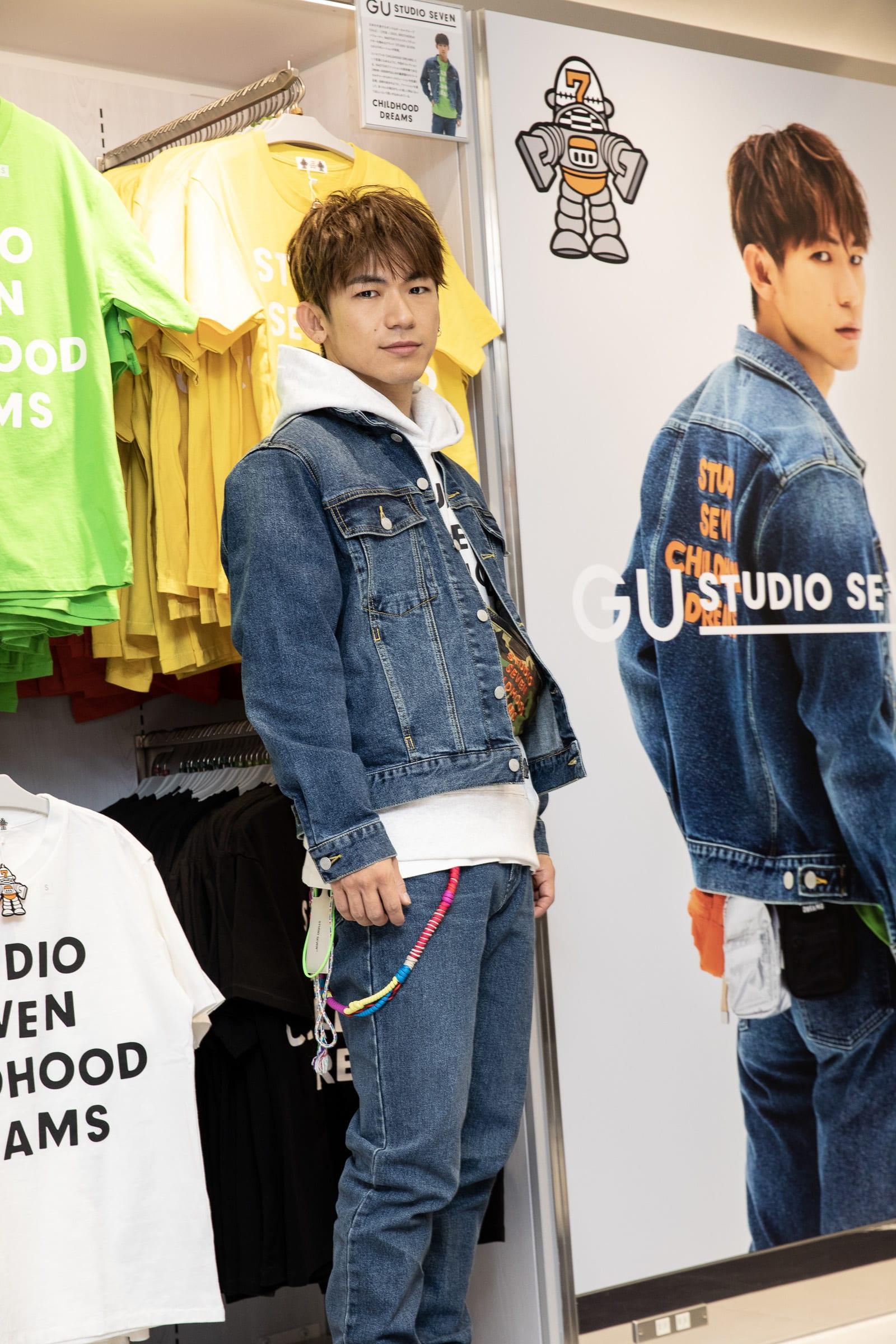5925988cbfa281 EXILE NAOTOがジーユー 渋谷店に登場、コラボアイテムを求めるファンで ...