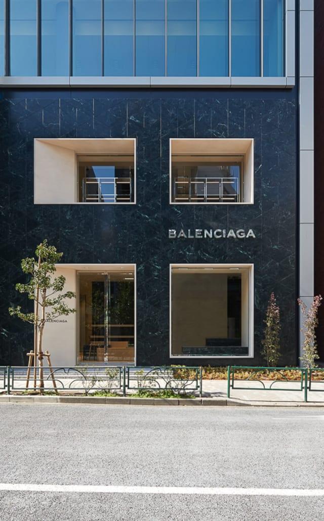 classic fit 55822 107a7 バレンシアガ 国内初の路面店を青山みゆき通りにオープン