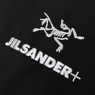 ジル サンダー+×アークテリクス ブランドロゴ